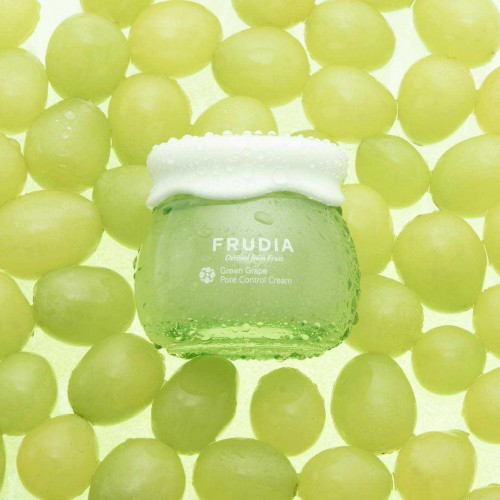 Себорегулирующий крем-сорбет с экстрактом винограда Frudia Green Grape Pore Control Cream